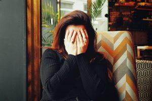 女性の頭痛